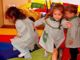 niños jugando, gimnasia cerebral.