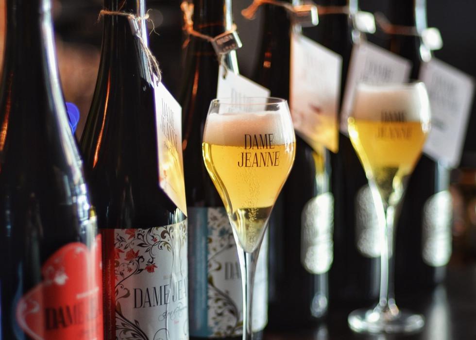 dame-jeane-belgian-brut-beer