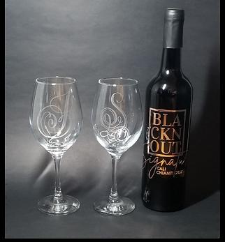 BLACKnOUT Signature WINE w 2 Etched Wine Glasses
