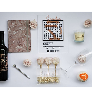 BLACKnOUT Mothers Day Ultimate 3 Rose Gift Box