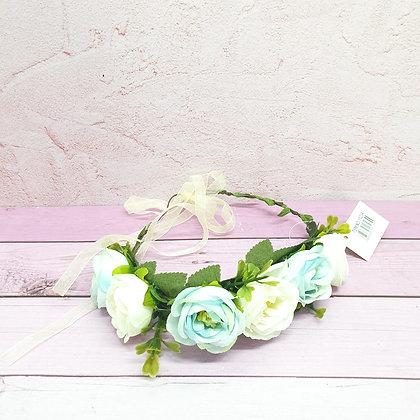 זר פרחים לראש תכלת לבן