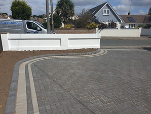 block-paved-driveway-sandstone-edging