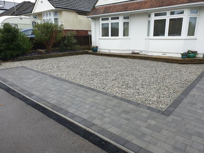 gravel-and-block-paving-driveway.jpg
