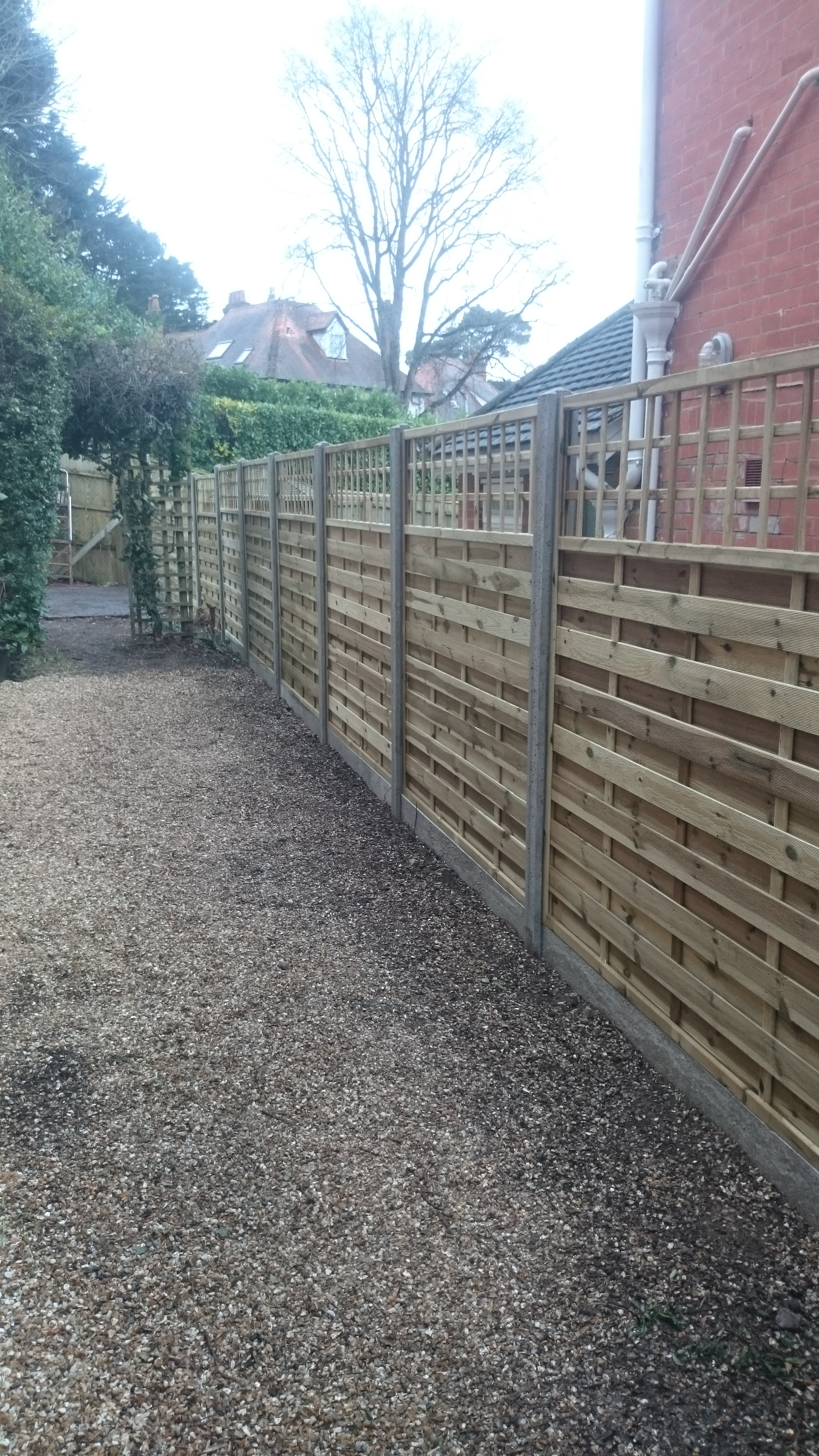 Side Fence with Trellis