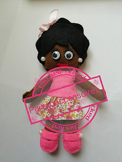 Bonequinha de feltro - blusa rosa e saia estampada
