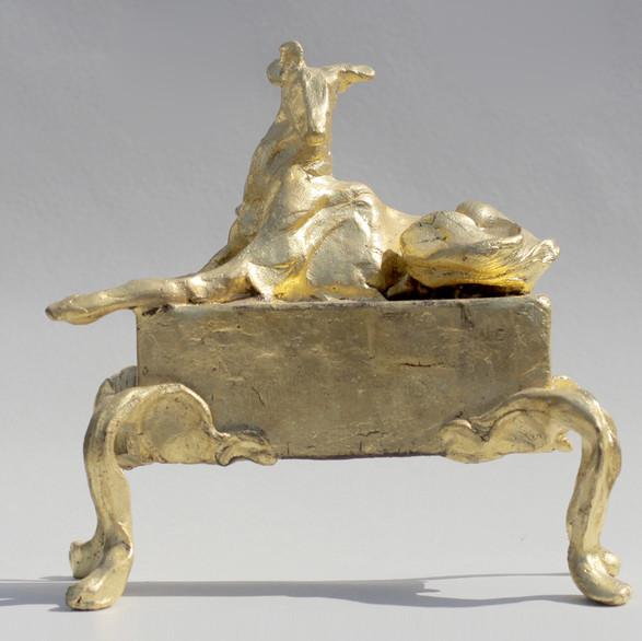 Greyhound, 18 x 18 x 12 cm, bronze gold leaf.