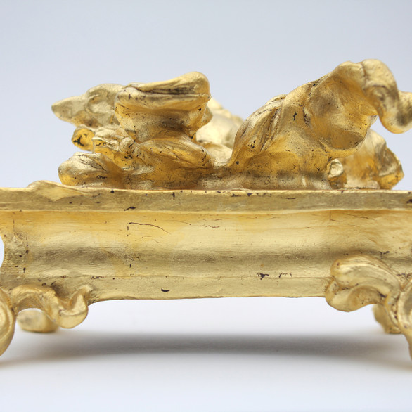 Greyhound, 14 x 24 x 17 cm, bronze gold leaf.