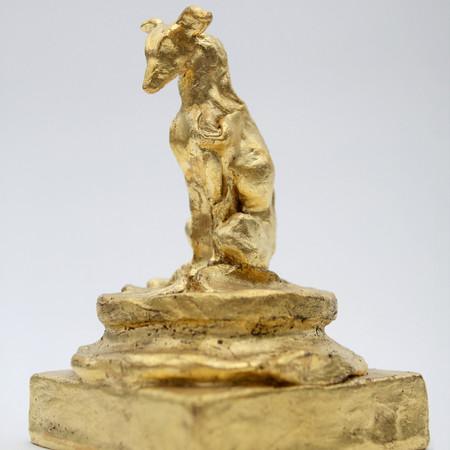 Greyhound, 16 x 11 x 11 cm, bronze gold leaf.