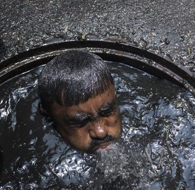 Analysing the Plight of Manual Scavengers