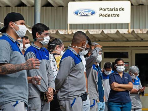 Ford fecha fábricas e deve lidar com desdobramentos jurídicos