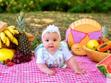 Eloísa e as frutinhas!