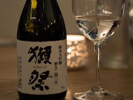 Keita Kitamura en accord avec le saké Dassai