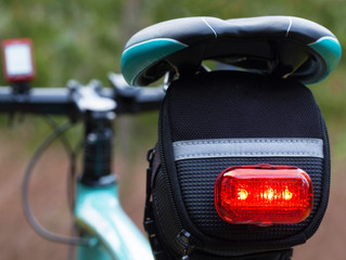 Should you use bicycle lights both day and night?