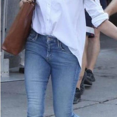 Wardrobe Staple: White Button Ups