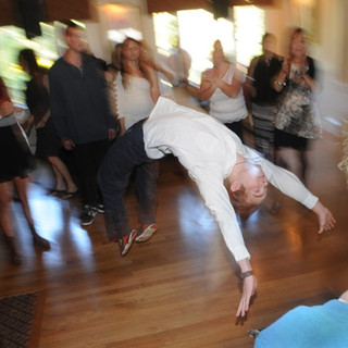Wedding-Guest-Dance-Moves.jpg