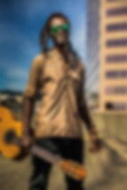 acoustic-guitar-blur-depth-of-field-2472
