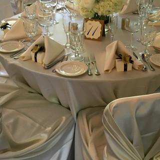 Rose-Centerpiece-Linen-Table.jpg