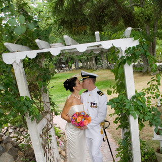 Wedding-Couple-Arbor.jpg