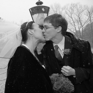 Snow-Wedding-Couple.jpg