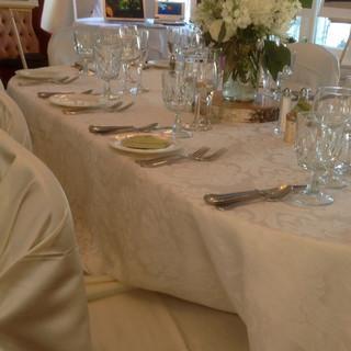 Damask-Linen-Table.jpg