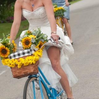Bride-on-Bike.jpeg