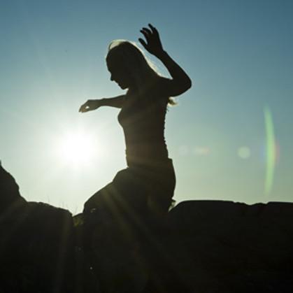 """""""Liikkeen kaiut"""" festivaali tanssi-improvisaatiosta"""
