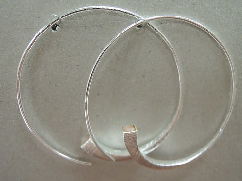 925 Silver hoops earrings with Yellow Quarts stones
