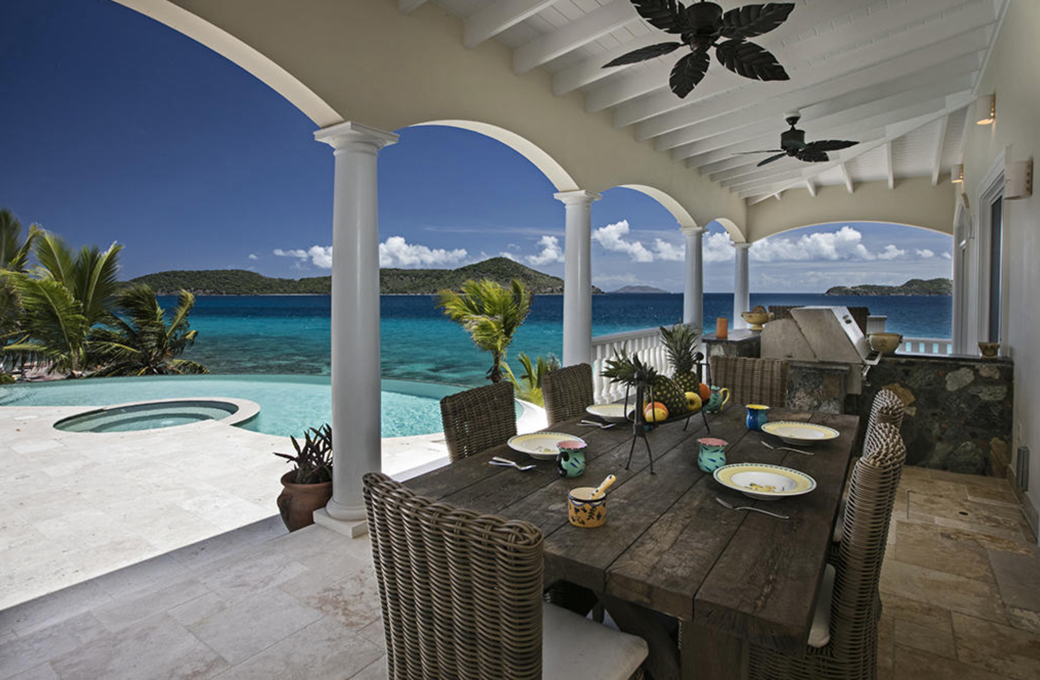 Pool side dining right on ocean