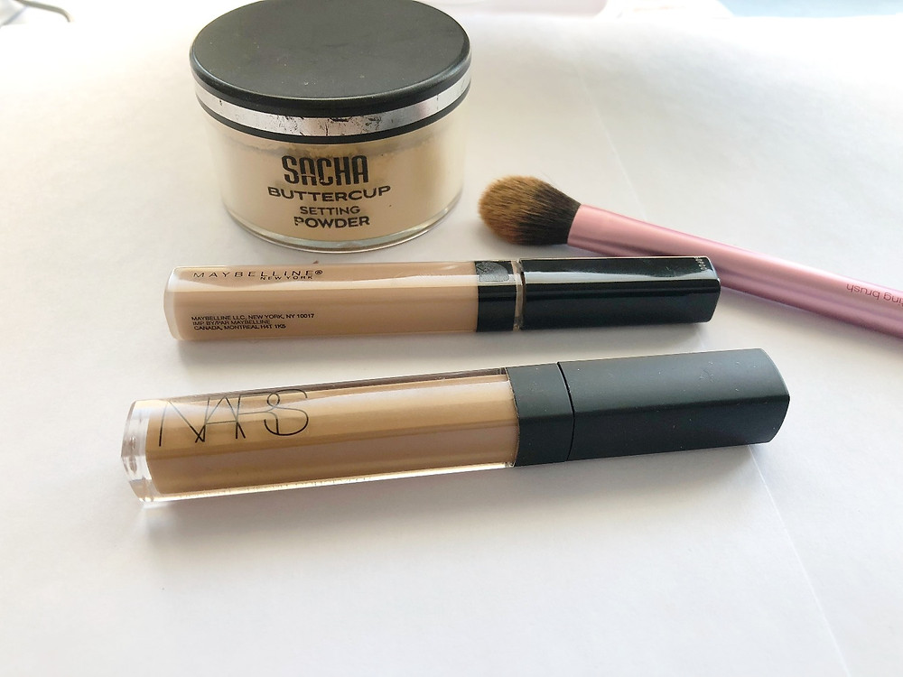 The base: concealer and setting powder