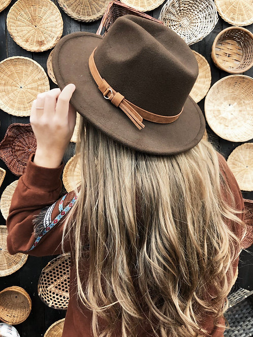 Going on a Bear Hunt Wide Brim Hat: Chocolate