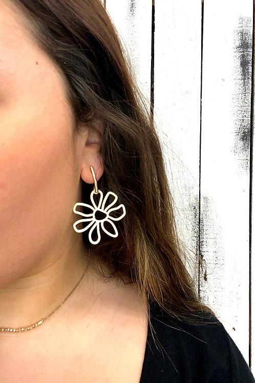 Opal Jewels Retro Flower Earrings: Ivory