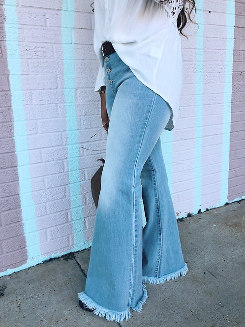 Me and Bobby McGee Flare Jeans: Lightwash
