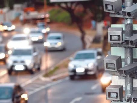 Fatores que afetam o volume de tráfego em Belo Horizonte
