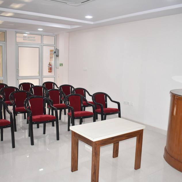 9. Conference room.JPG