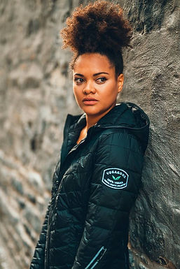 VEGAGOOZ Packable Ninja Back Women's Jacket