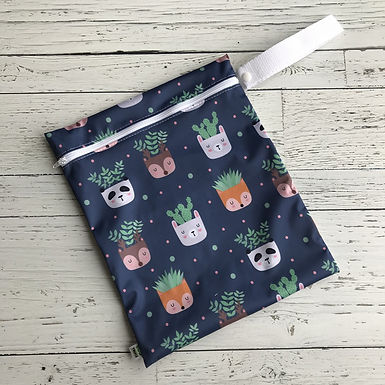 Waterproof Carrying Bag With Handle - Animal Heads