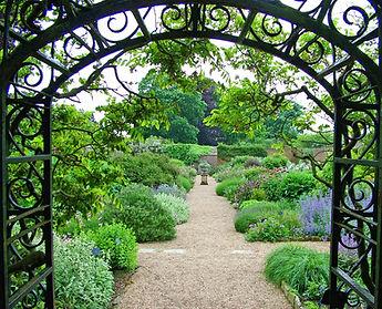 walled-garden-1409855.jpg