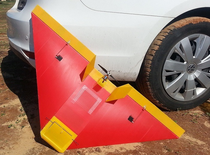טיסן פוגי בצבעי אדום וצהוב