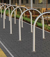 curved harrow cycle stand