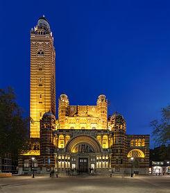 Westminster_Cathedral_at_Dusk,_London,_U