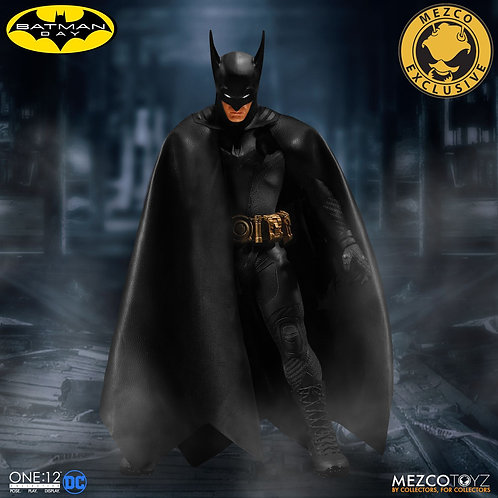 MEZCO TOYZ ONE:12 DC BATMAN ASCENDING KNIGHT EXCLUSIVE