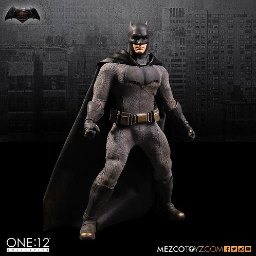 MEZCO TOYZ ONE:12 BVS DAWN OF JUSTICE BATMAN