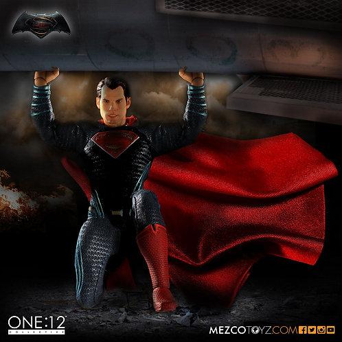 MEZCO TOYZ ONE:12 BVS DAWN OF JUSTICE SUPERMAN