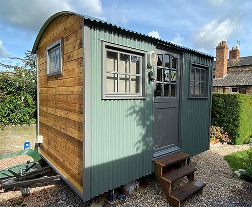 Pine Tree Hut - Shepherd Hut - Office