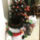 Até nossa arvore de Natal ficou cheia de
