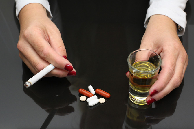 """Is """"controlled drinking"""" or """"harm reduction"""" a legitimate goal for treating persons with substance u"""