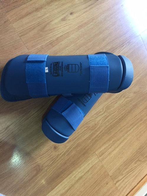 Protecciones karate piernas