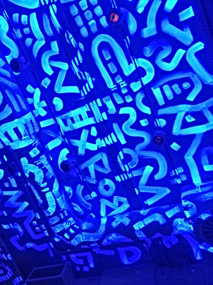 UV Ceiling painting at Bounce