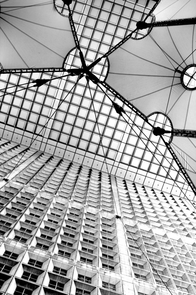 La Defense Arch B&W 1