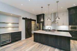 Foothills Barndoor - Kitchen